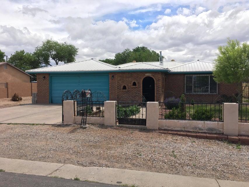 4724 S South Dale SW, Albuquerque, NM 87105
