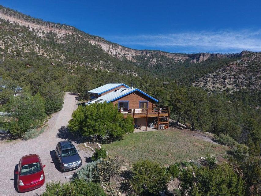 80 El Cerrito Place, Jemez Springs, NM 87025