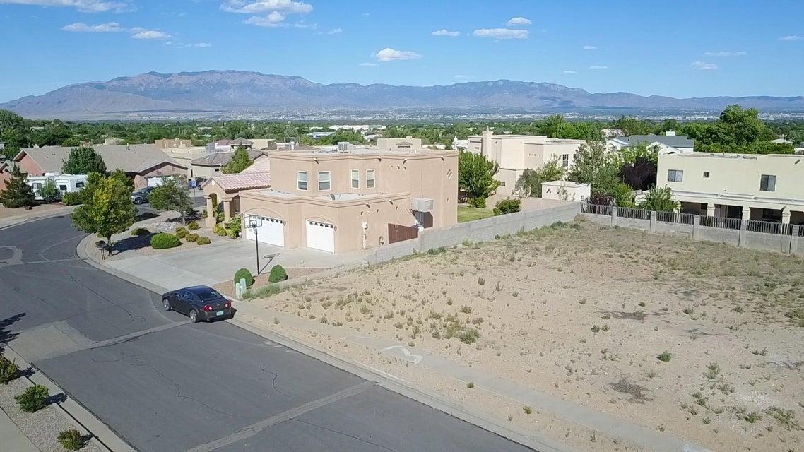 Mariposa Place NW, Albuquerque, NM 87120