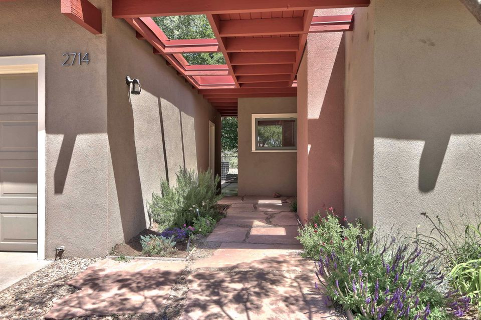 2714 Sheridan St. NW NW, Albuquerque, NM 87104