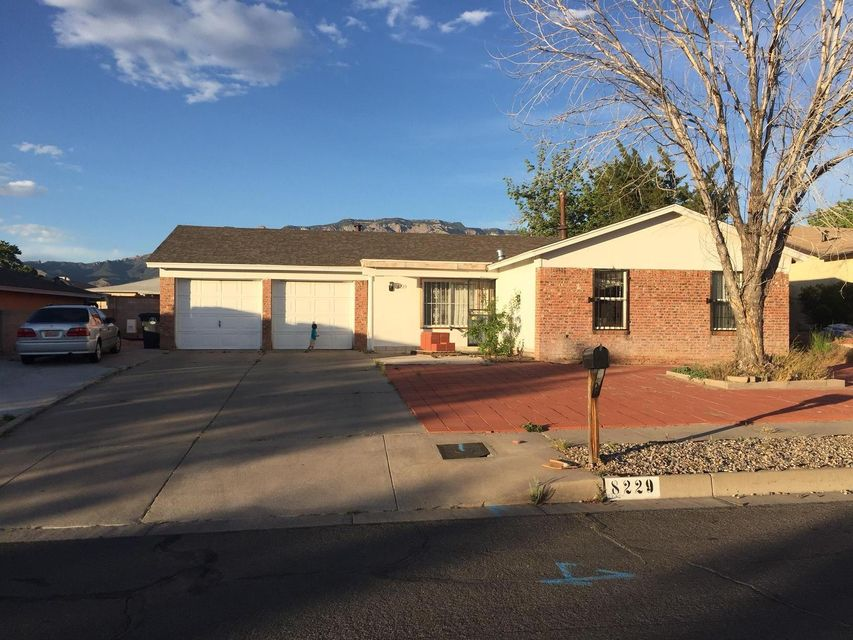 8229 Colfax Avenue NE, Albuquerque, NM 87109
