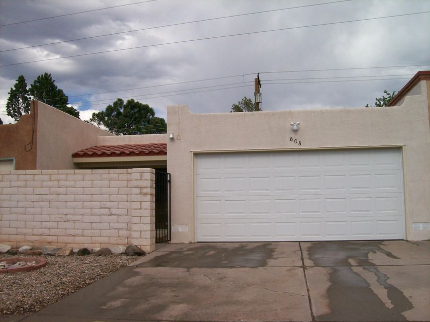 608 Ortiz Drive NE, Albuquerque, NM 87108