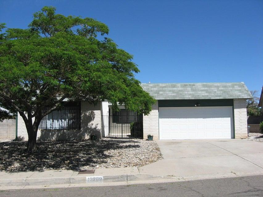 12209 Kinley Avenue NE, Albuquerque, NM 87112
