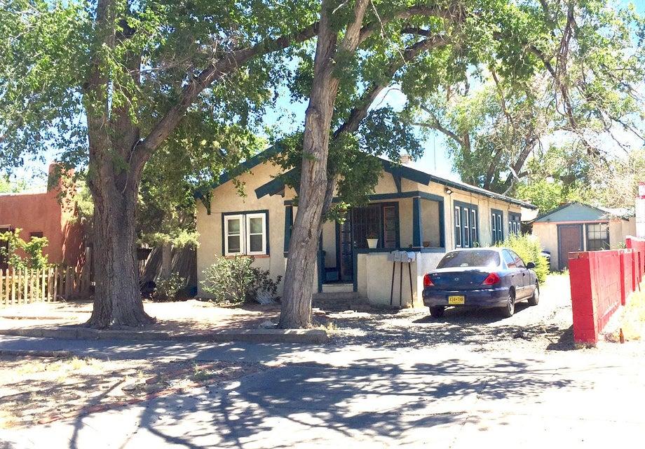 222 Cornell Drive SE, Albuquerque, NM 87106
