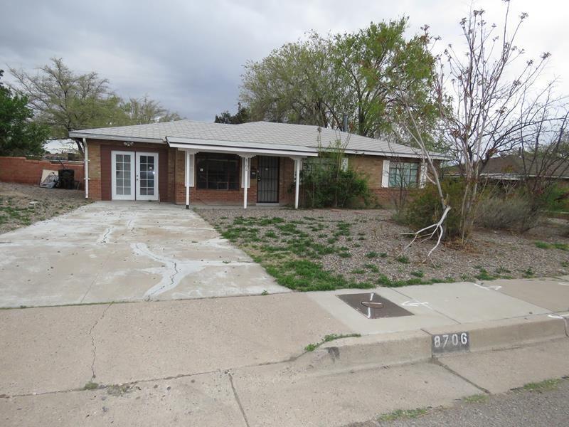 8706 Candelaria Road NE, Albuquerque, NM 87112