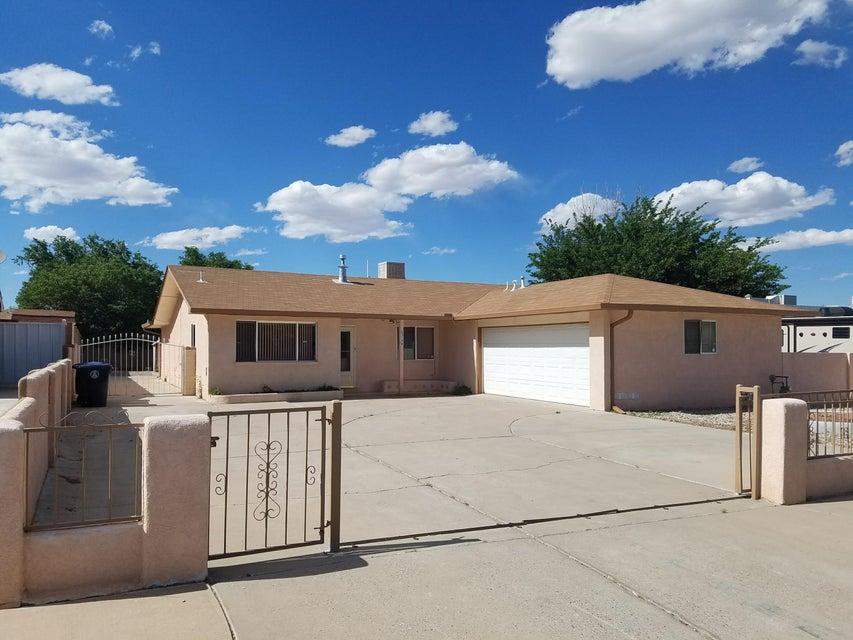 6313 Flor Del Sol Place NW, Albuquerque, NM 87120