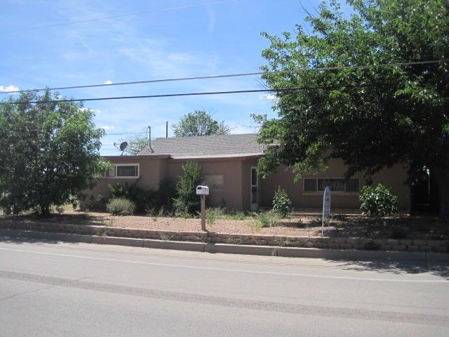 4525 San Isidro Street NW, Albuquerque, NM 87107