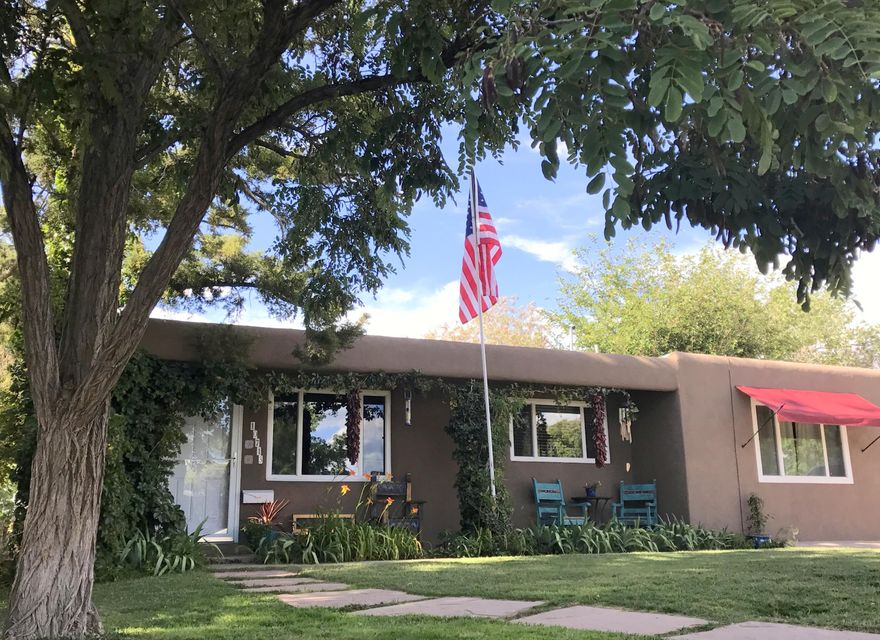 10713 Apache Avenue NE, Albuquerque, NM 87112