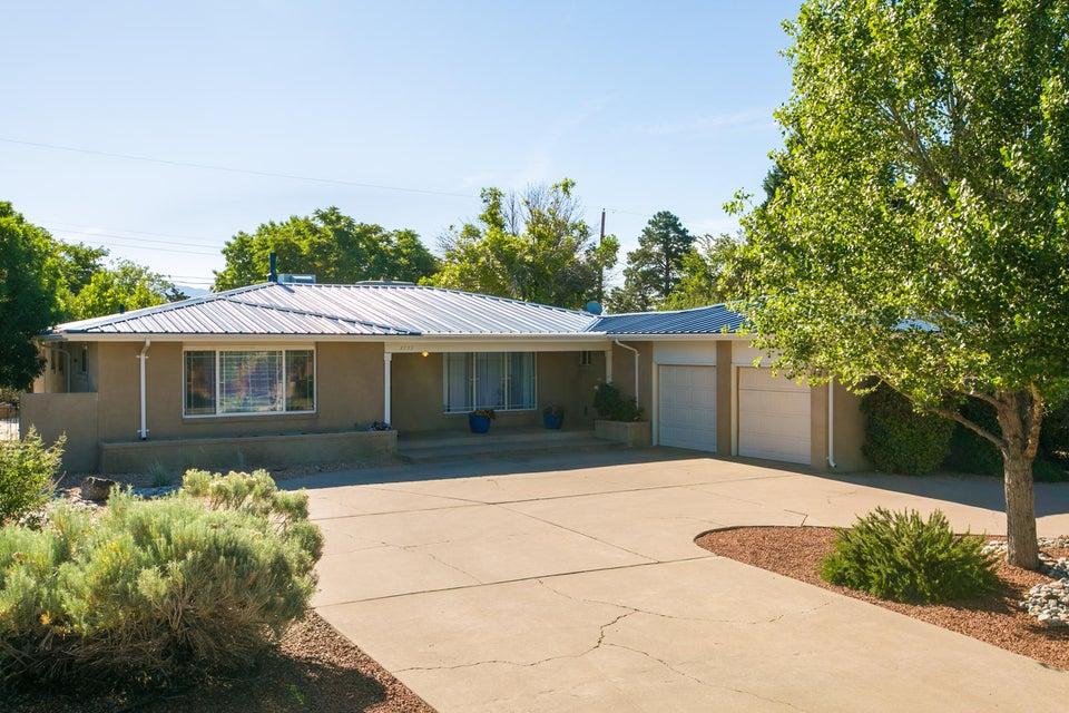 1232 Monroe Street NE, Albuquerque, NM 87110