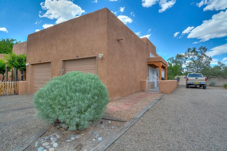 1731 Los Jardines Place NW, Albuquerque, NM 87104