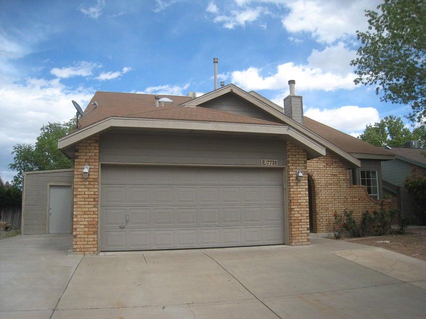 7720 Sunrose Drive NW, Albuquerque, NM 87120