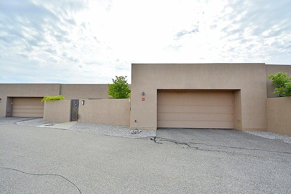 32 Wind Road NW, Albuquerque, NM 87120