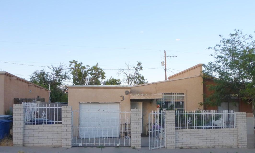 140 Merlida Court SW, Albuquerque, NM 87121