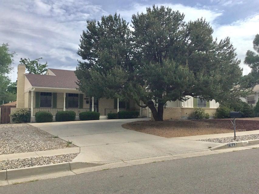 7613 Pickard Avenue NE, Albuquerque, NM 87110