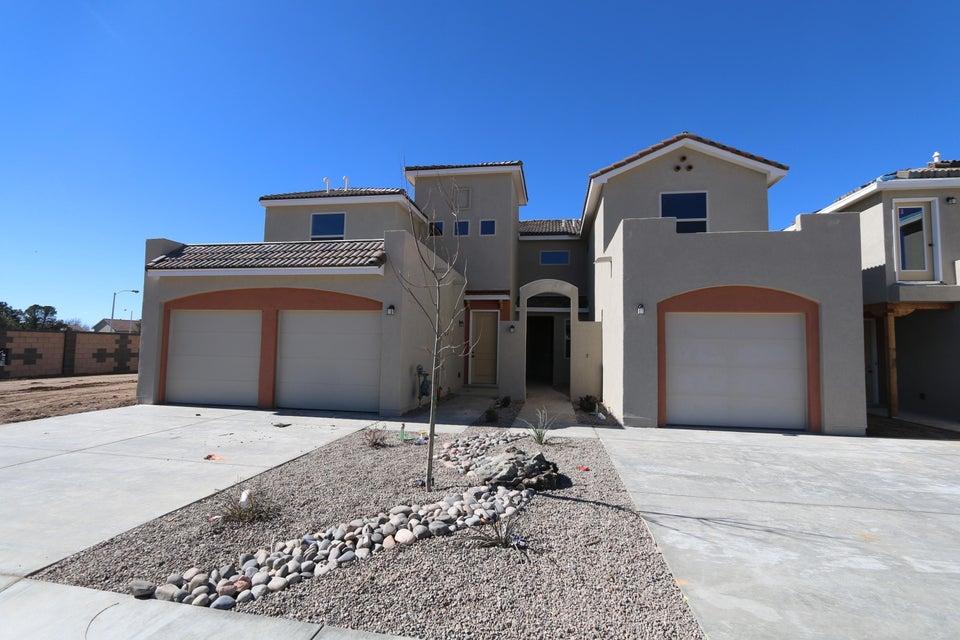 6927 Papaya Street NE, Albuquerque, NM 87109
