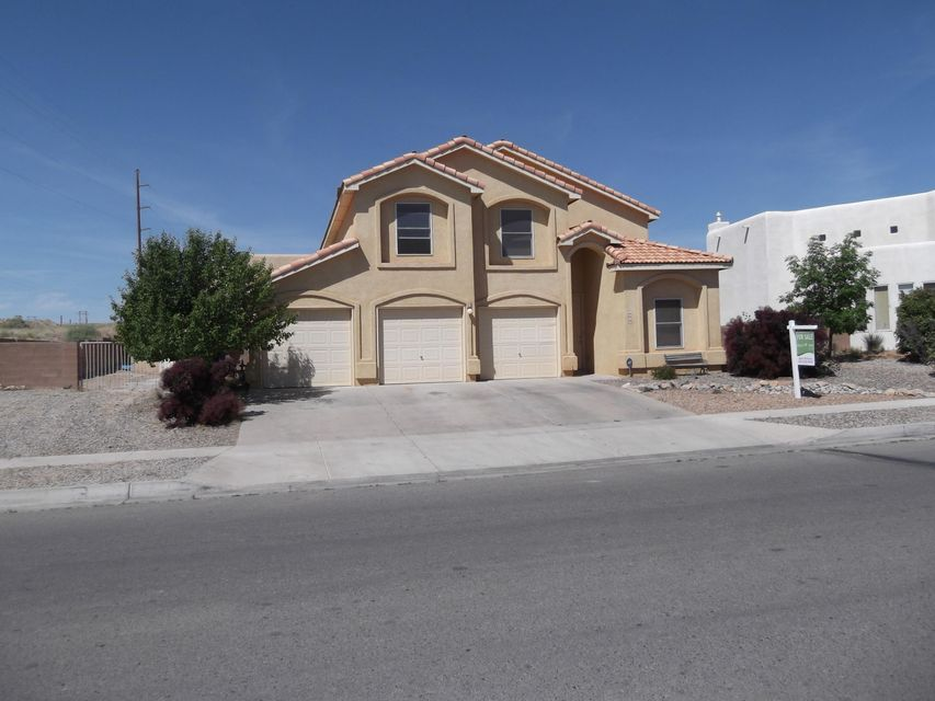 8639 Casa Verde Avenue NW, Albuquerque, NM 87120