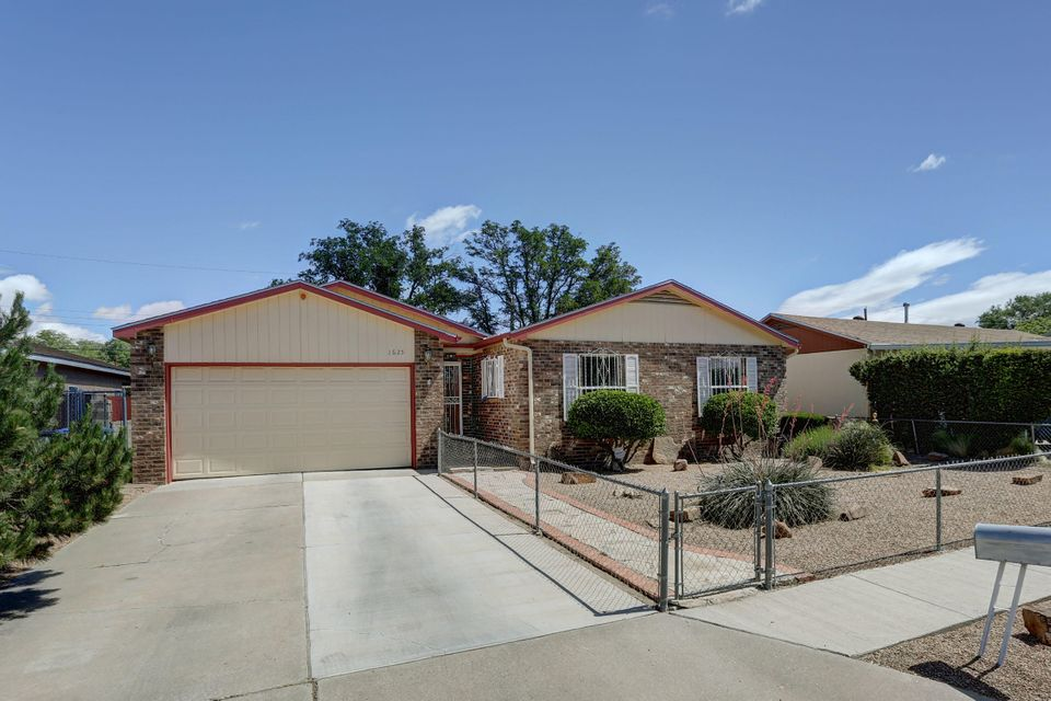 1625 Prospect Avenue NW, Albuquerque, NM 87104