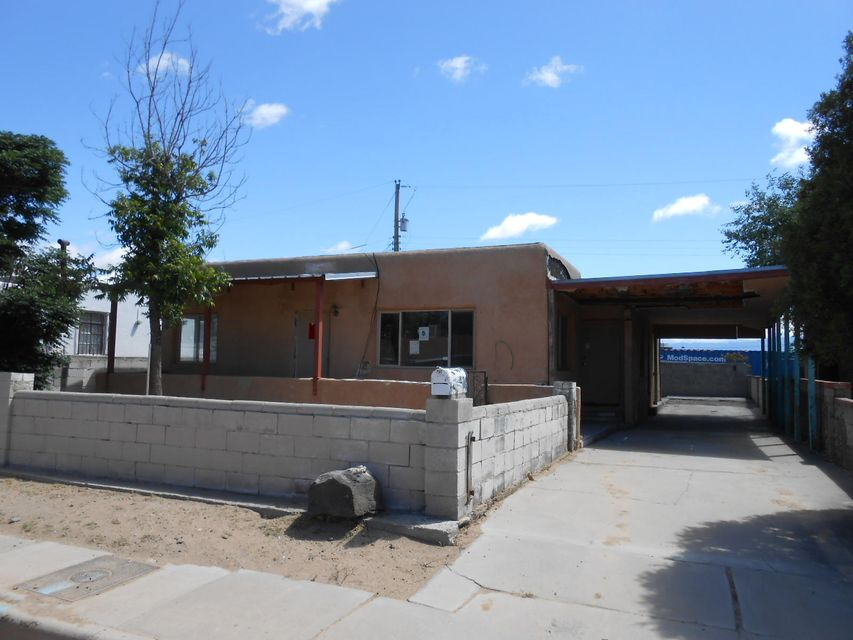 242 58Th Street NW, Albuquerque, NM 87105