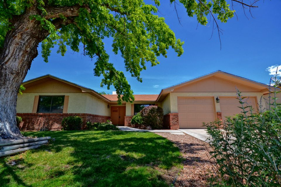 6505 Esther,Albuquerque,New Mexico,United States 87109,3 Bedrooms Bedrooms,2 BathroomsBathrooms,Residential,Esther,893328