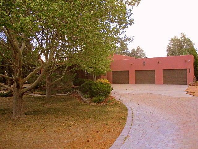 12005 San Antonio Drive NE, Albuquerque, NM 87122