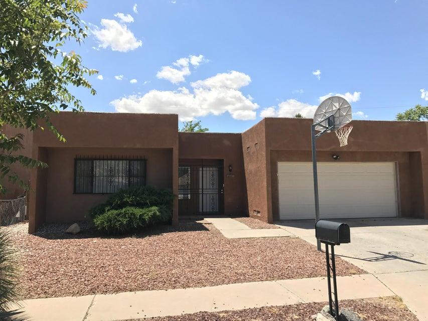 237 Avalon Place NW, Albuquerque, NM 87105