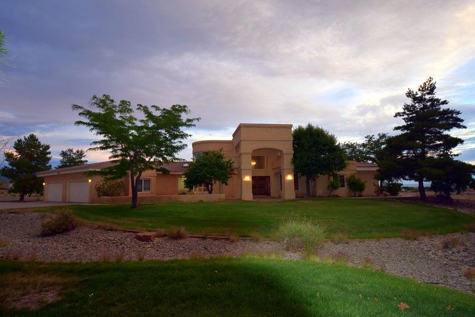 10012 San Bernadino Drive NE, Albuquerque, NM 87122