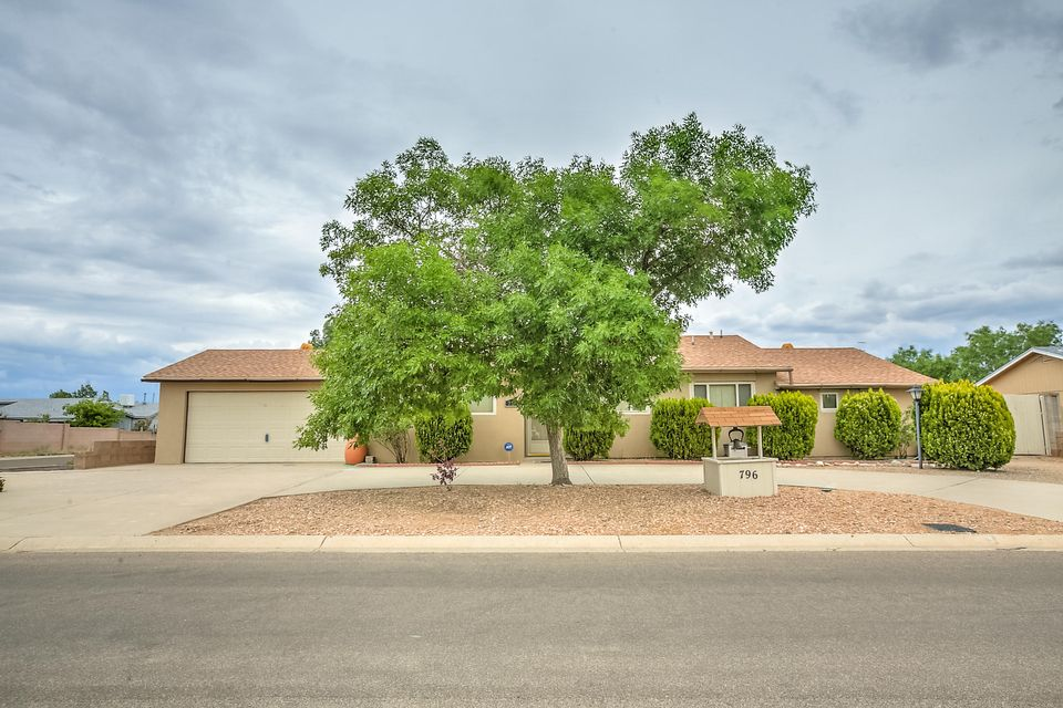 796 Orchid Drive SW, Rio Rancho, NM 87124