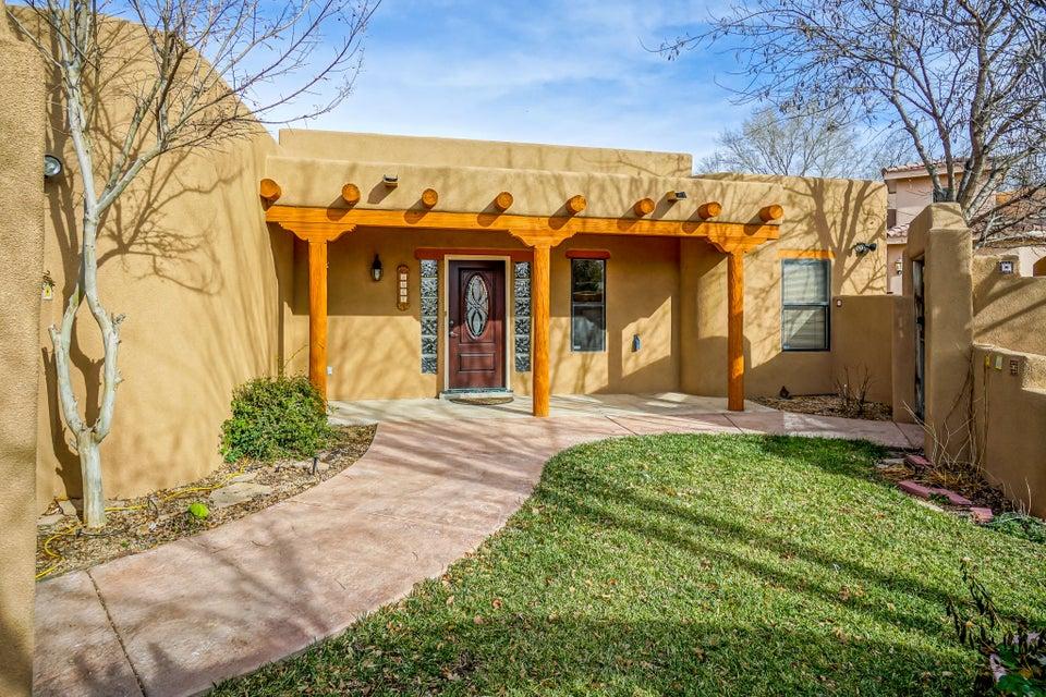 1065 Solar Road NW, Albuquerque, NM 87107