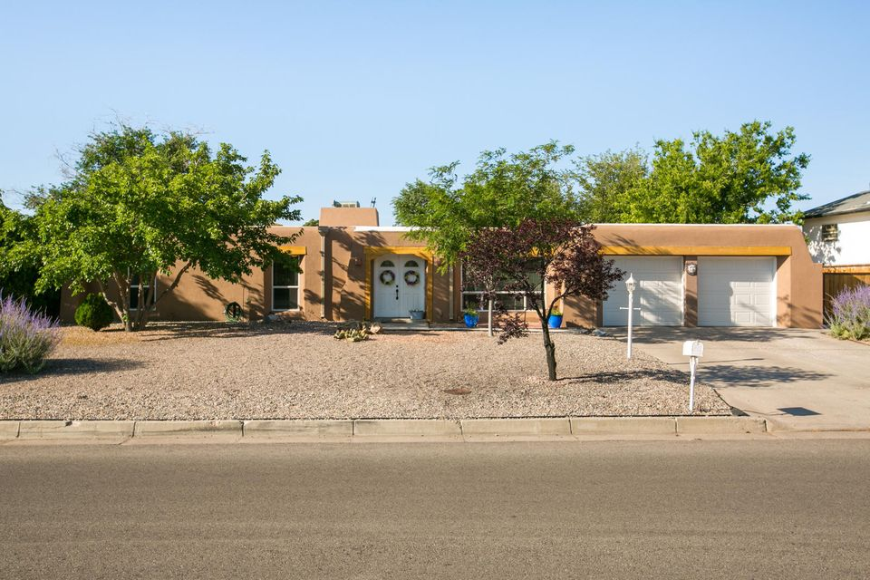 3700 Oakmount Drive SE, Rio Rancho, NM 87124