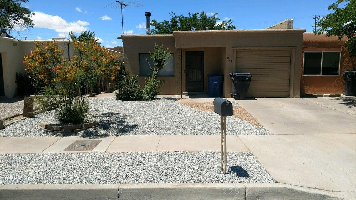 225 Zena Lona Street NE, Albuquerque, NM 87123