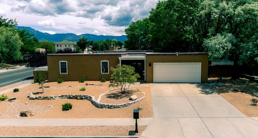 6936 Brandywine Loop NE, Albuquerque, NM 87111