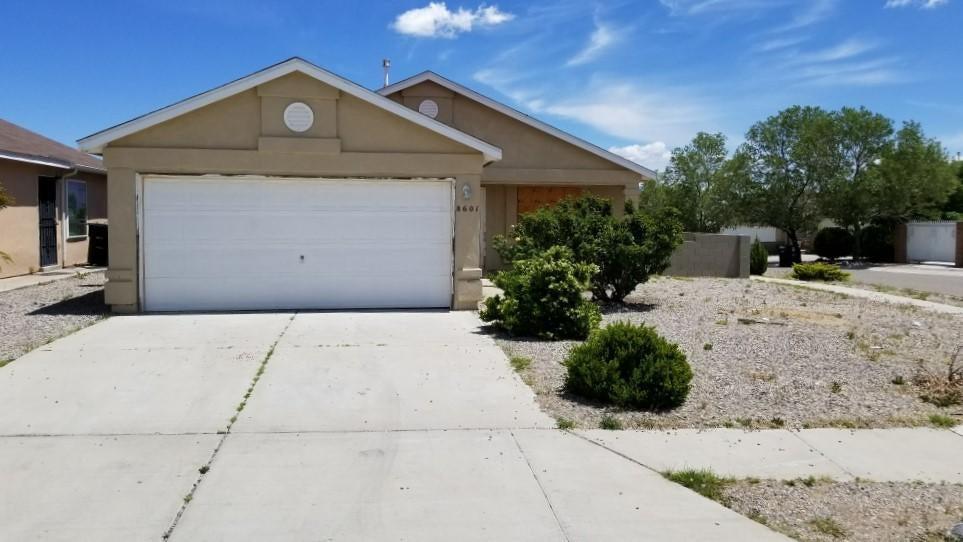 8601 Lone Prairie Avenue SW, Albuquerque, NM 87121
