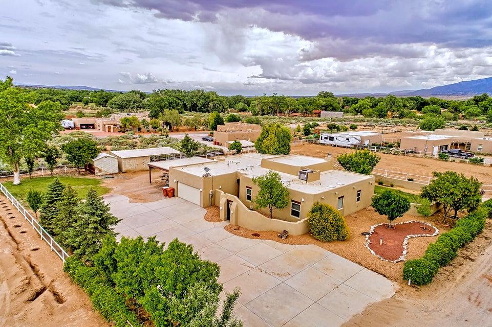 20 Camino De Claudio, Corrales, NM 87048