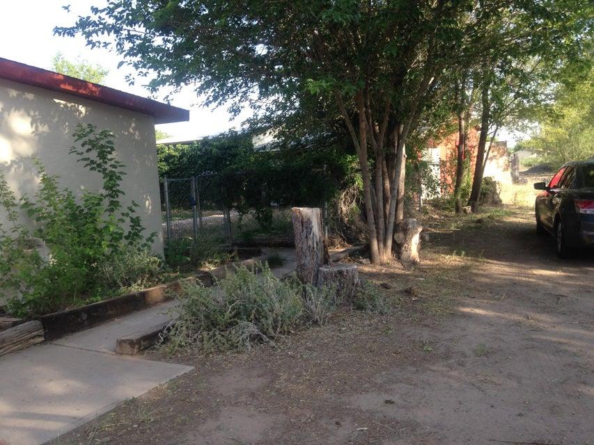 51 Tavalopa Court, Los Lunas, NM 87031