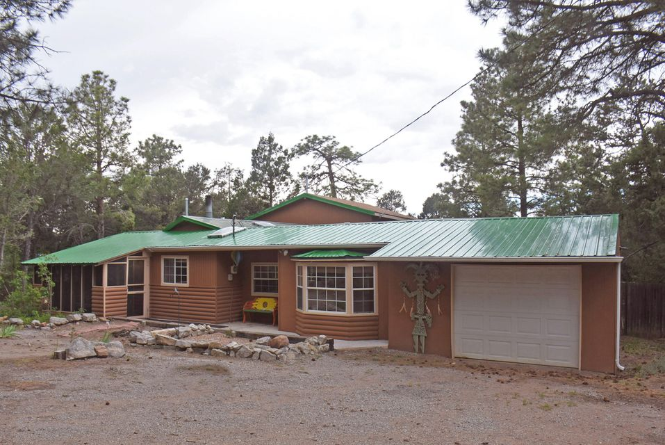 14 Peacock Lane, Tijeras, NM 87059