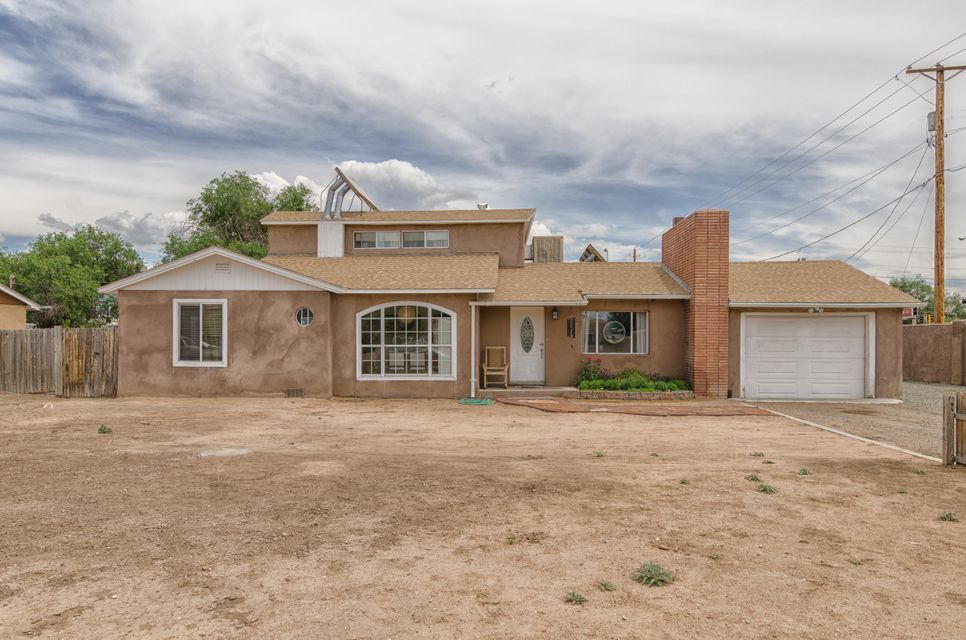 6602 Elwood Drive NW, Los Ranchos, NM 87107