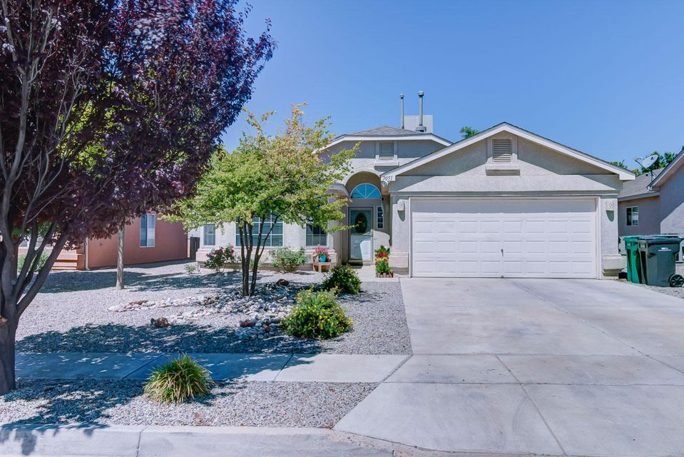 3051 Logan Meadows Drive NE, Rio Rancho, NM 87144