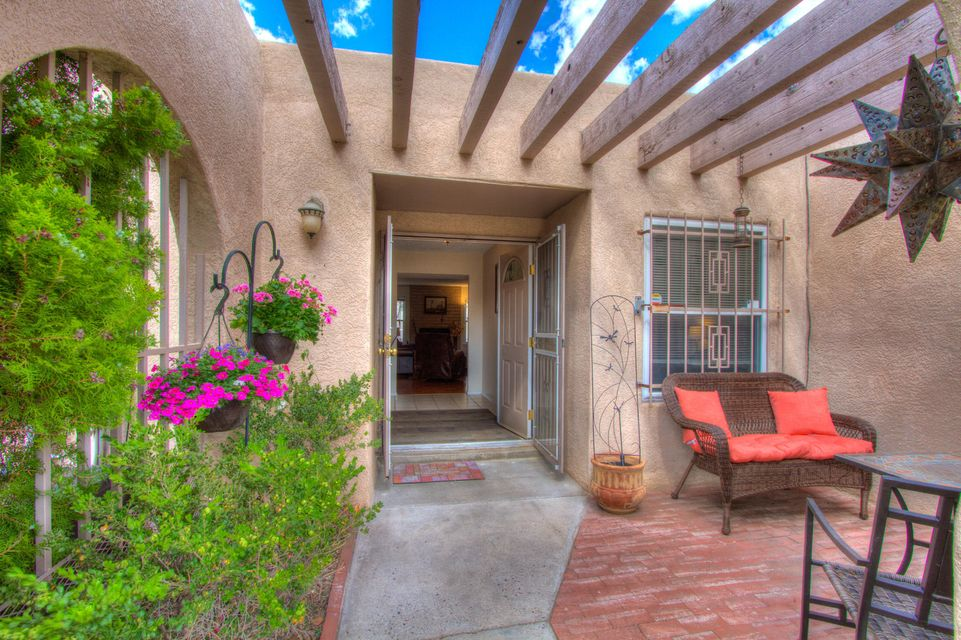 1408 Monte Largo Drive NE, Albuquerque, NM 87112