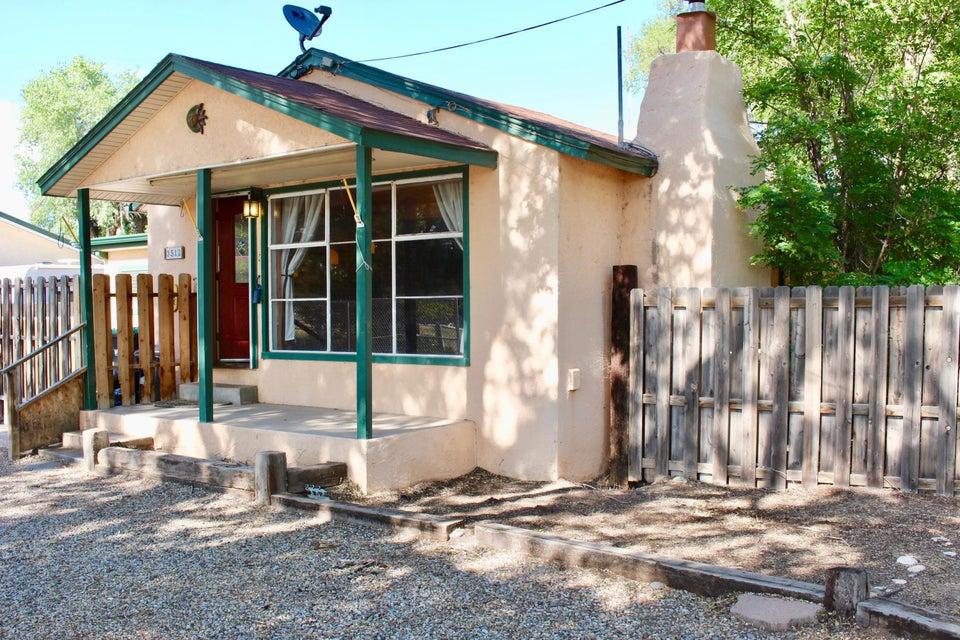 3512 Chalmers Road SW, Albuquerque, NM 87105