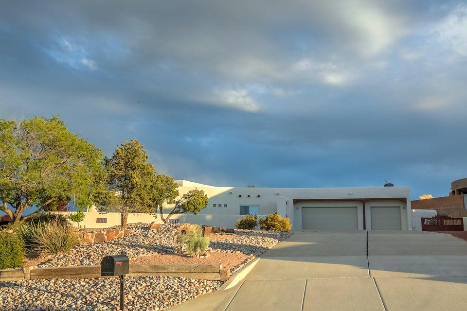 2104 Gazelle Road NE, Rio Rancho, NM 87124