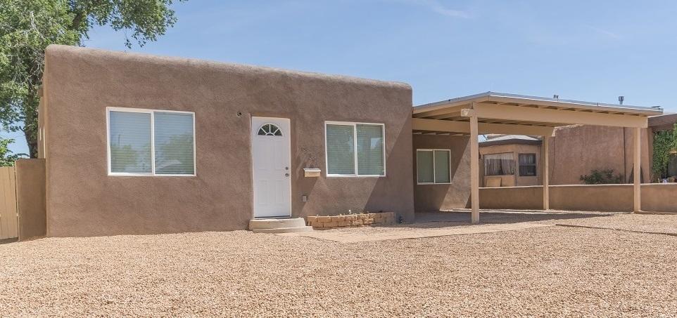 909 Headingly Avenue NW, Albuquerque, NM 87107