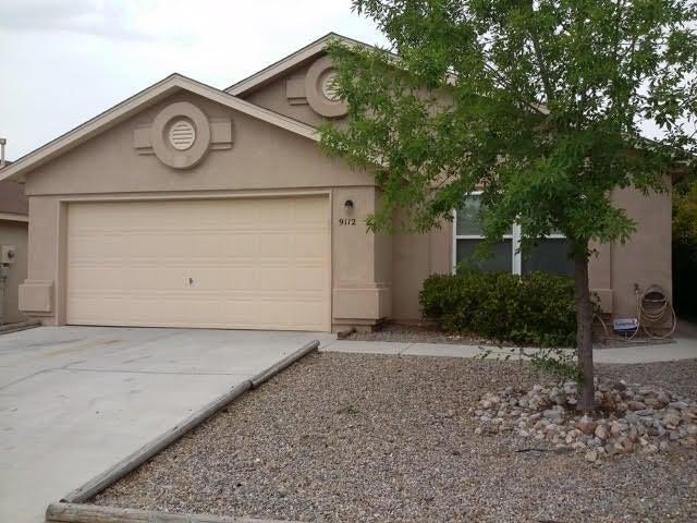 9112 Twin Harbor Avenue NW, Albuquerque, NM 87121