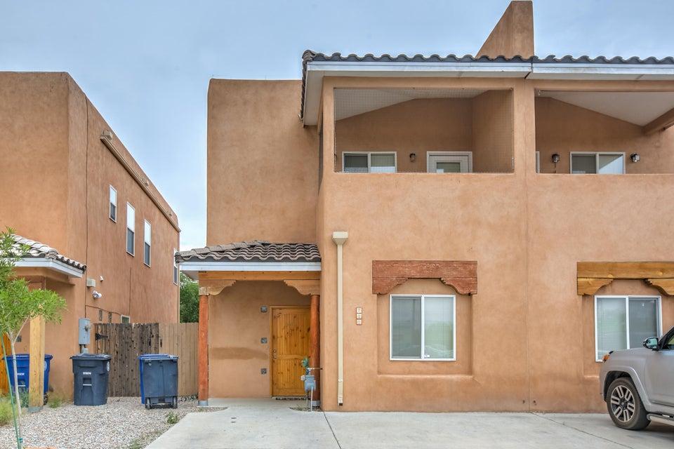 720 11Th Street NW, Albuquerque, NM 87102