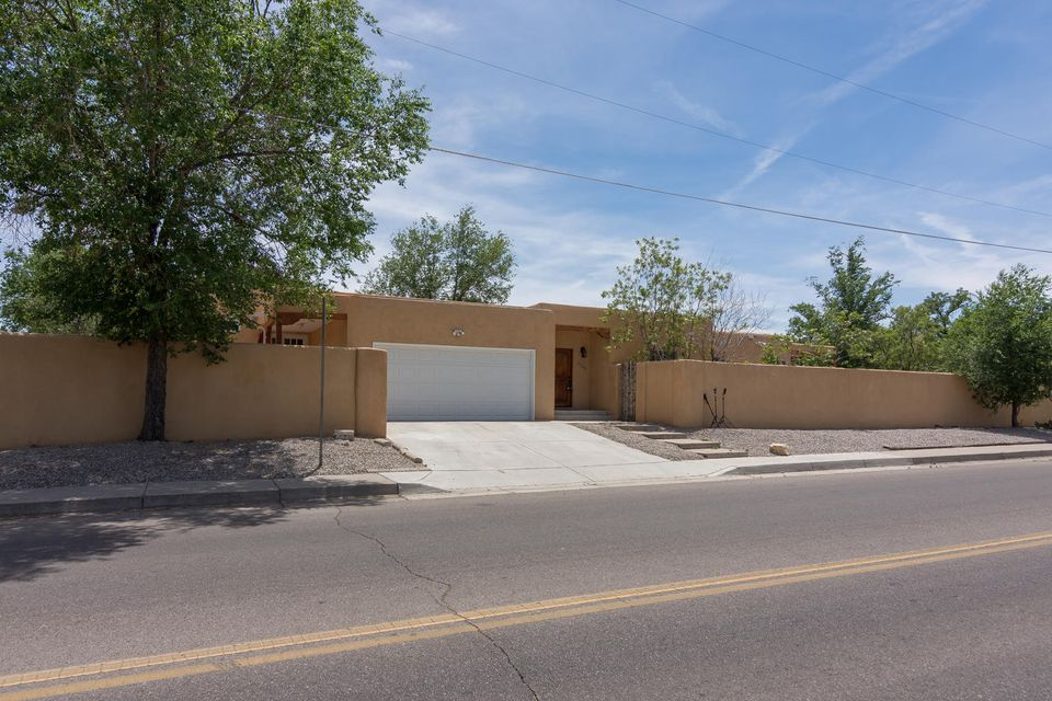 1100 Madison Street SE, Albuquerque, NM 87108