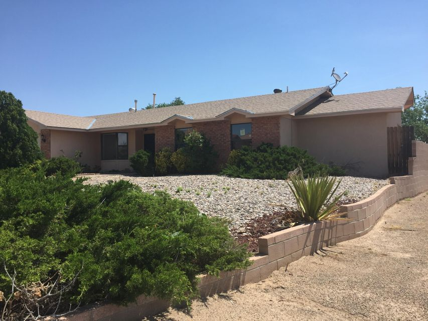 400 Robert Court NE, Rio Rancho, NM 87124