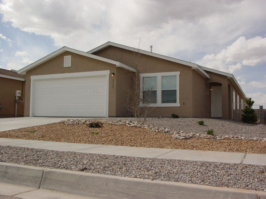 3757 Rancher Loop NE, Rio Rancho, NM 87144