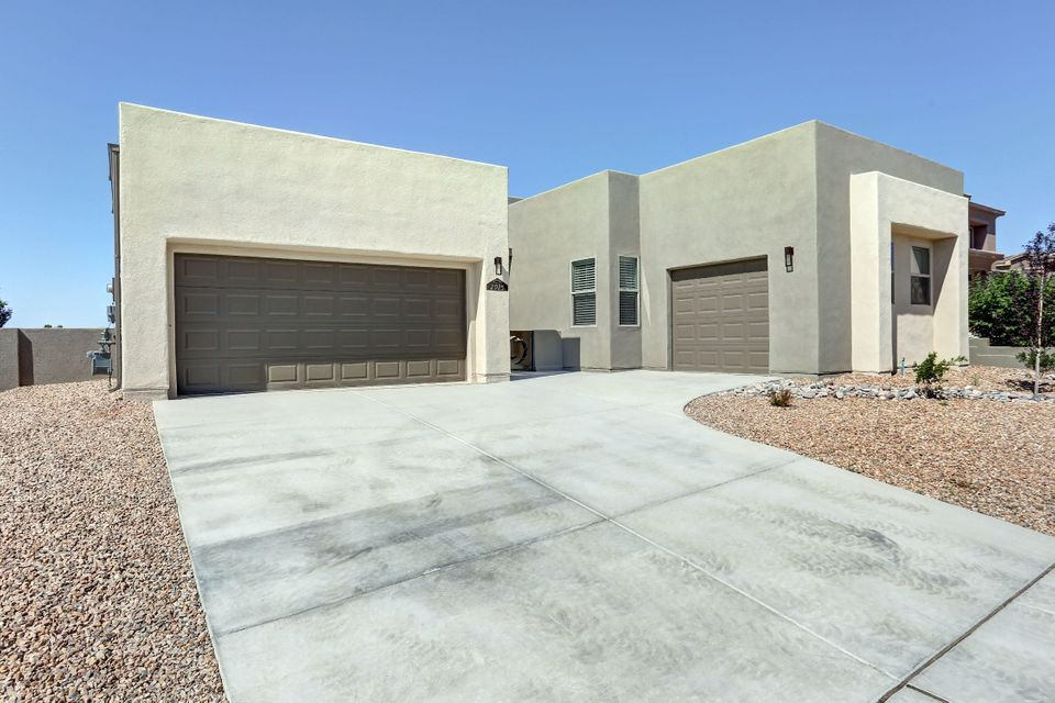 2925 Redondo Santa Fe NE, Rio Rancho, NM 87144