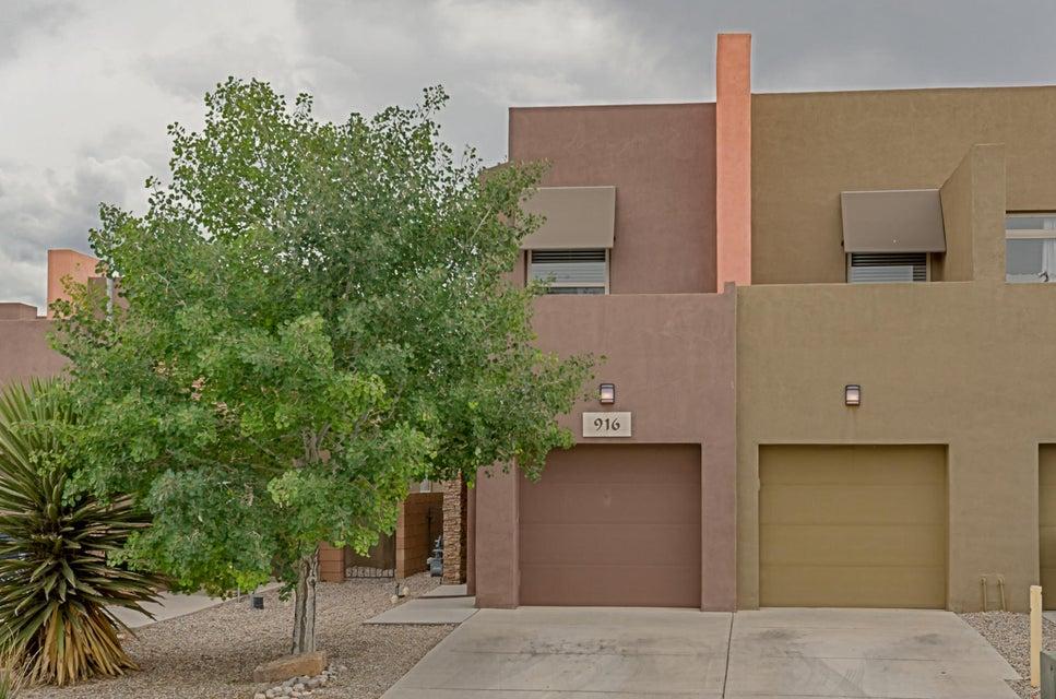 916 Teagan Court NE, Albuquerque, NM 87112