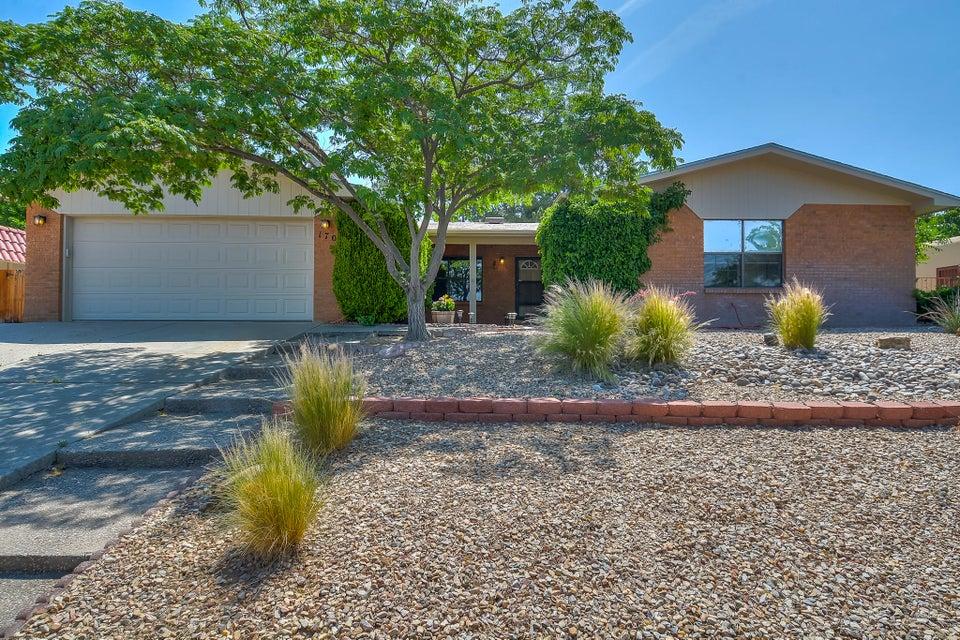 1708 Singletary Drive NE, Albuquerque, NM 87112