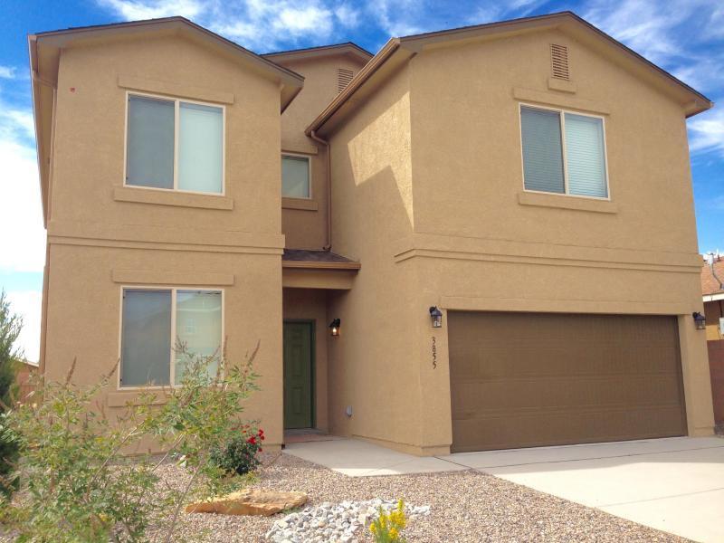 3855 Desert Pinon NE, Rio Rancho, NM 87144